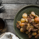Beef stew with shallots, beef stifatho