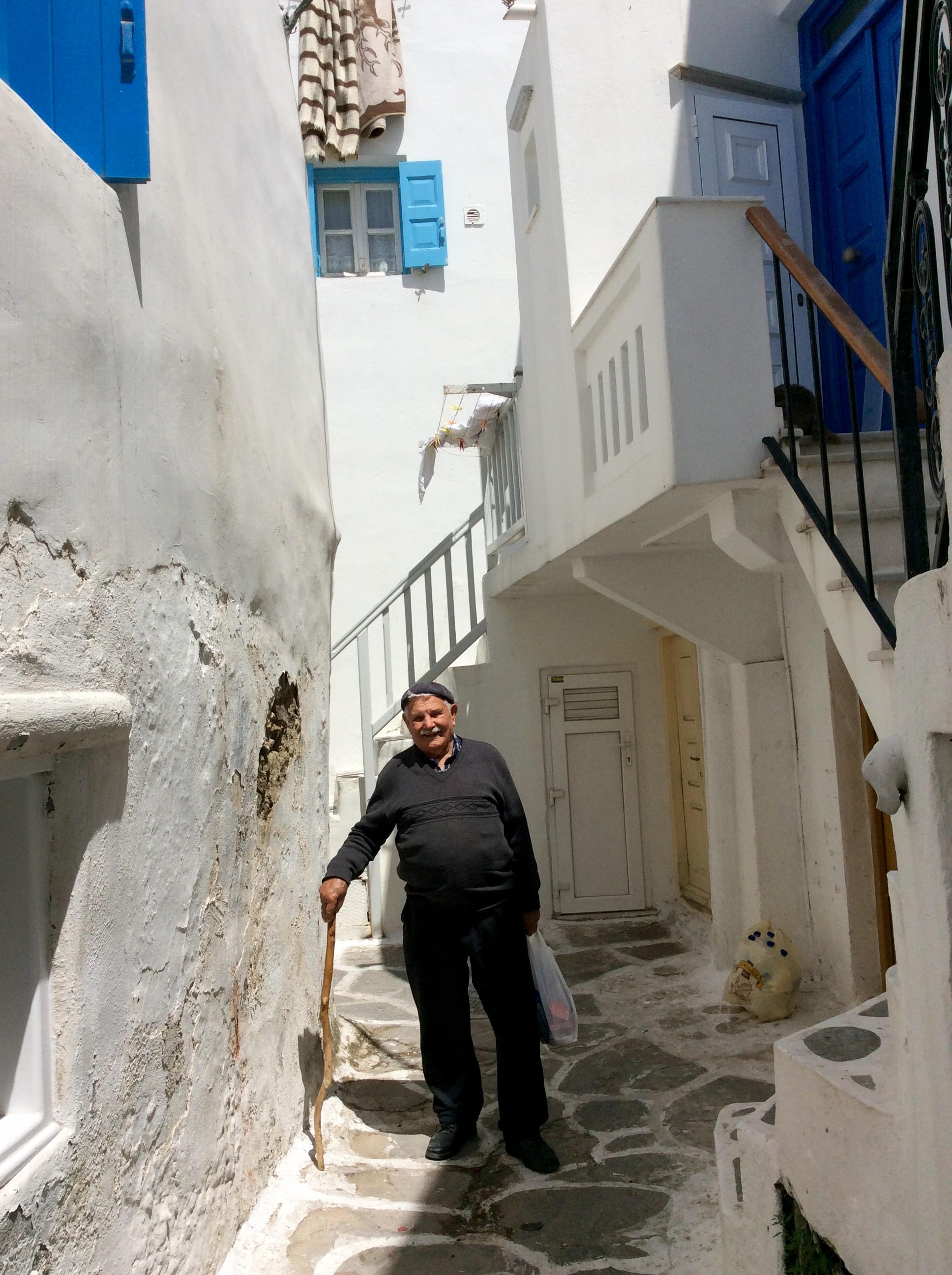 Mykonos chora and onion pie with panayiotis menardos from for Modern house quintet chora